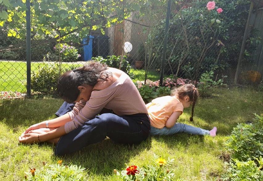 Ouder & kind yoga, yoga rijswijk, kinderyoga rijswijk, everything is om, Sabrina Soebhan